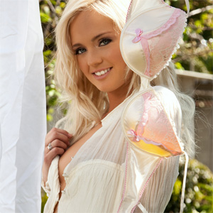 Brandi Lynn Sexy Coed