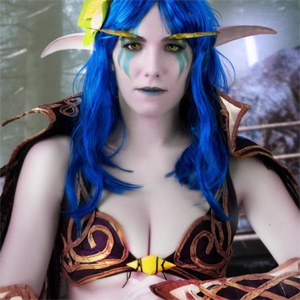 Cassie Crystal Quest Cosplay