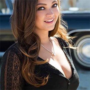 Chelsie Aryn Beautiful Smile Playmate
