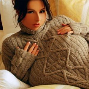 Chloe Vevrier Sweater Tits