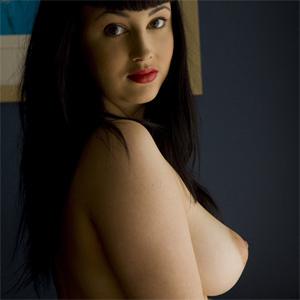 Eden Nude Light Posing