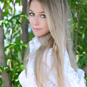 Elise Natural Girl