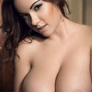 Elizabeth Marxs Perfect Silky Boobs