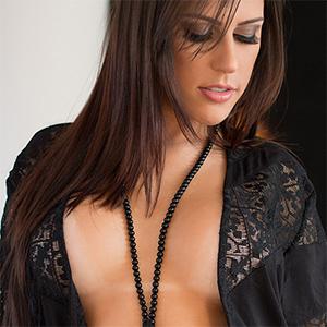 Suelen Castro Sexy In Black Lingerie