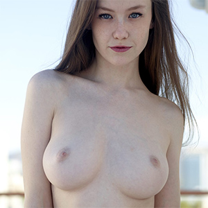 Emily Bloom Nude In Daylight