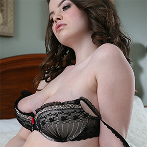 Emma Sinclaire Pretty Busty In Her Bedroom