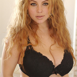 Erkos Busty Webcam Model