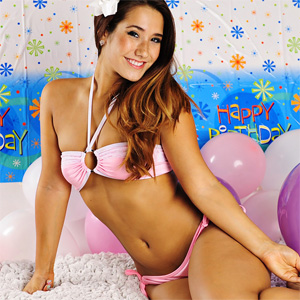 Eva Lovia Party Time