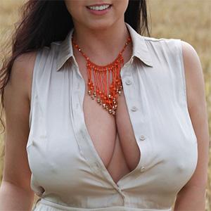 Ewa Sonnet Heavy Breasted Beauty
