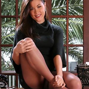 Felicia Sexy Secretary Fantasy