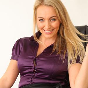 Hayley Marie Silky Secretary