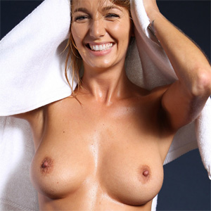 Hayley Marie Just A Towel