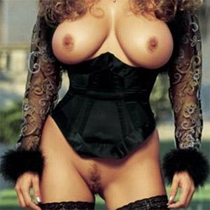 Ivonne Armant  nackt