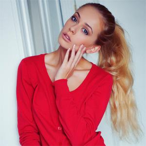 Jennifer Red Sweater