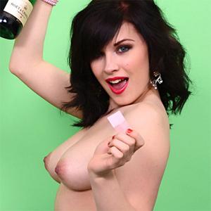 Jocelyn nude pics