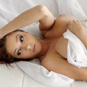 Julia Pure Nude