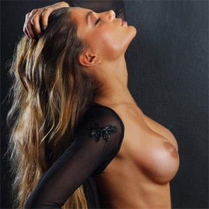 Karina Michel  nackt