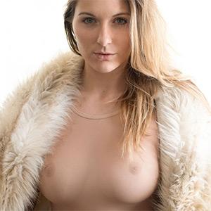 Katie Darling Winterfell Body In Mind
