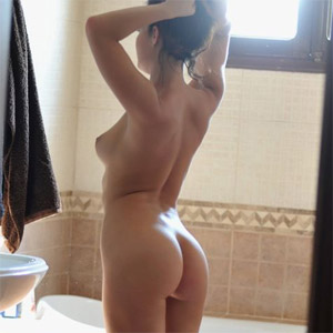 Kayleigh Bath Time
