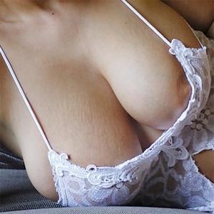 Kellie Big Lace Boobs