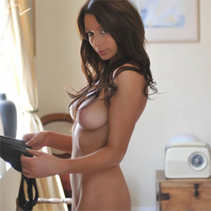 Kirsty Nude Packing