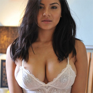 Lacey Banghard Looking Good In The Bedroom