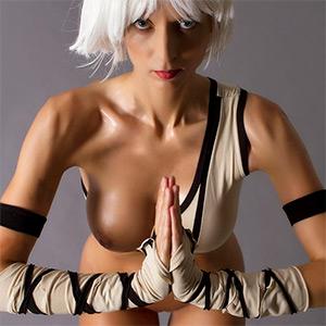 Lana Preparing For Inferno Cosplay Erotica