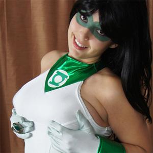 Leia Down Green Girl