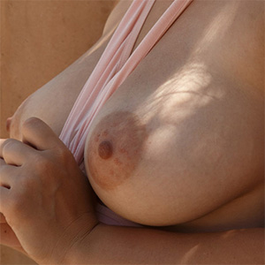 Lillias Right Big Deal Boobs Zishy