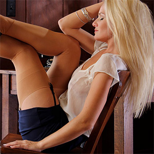 Liz Sexy Blonde Office Fantasy