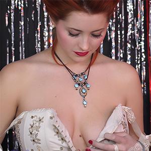 Isabella Sexy Upskirt Fame Girl