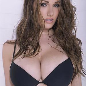 Lucy Pinder Wild Brunette Busty Celeb