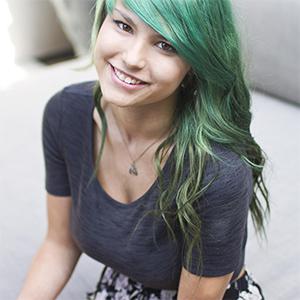 Lusia The Incredible Suicidegirl