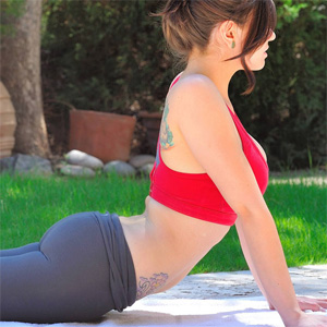 Lyanna Yoga Girl