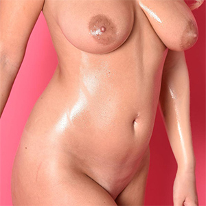Lycia Oiled Body In Mind