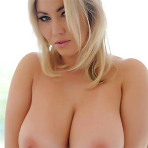 Lyla Ashby Busty Blonde Will Rock Your World