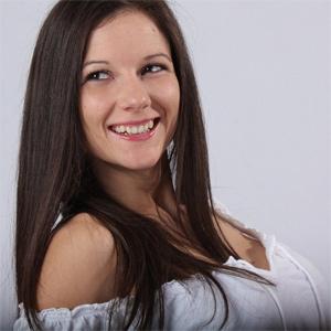 Mandy Flores Sexy