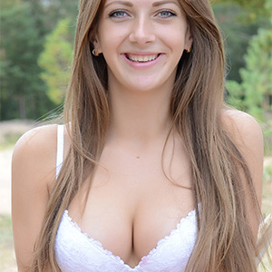 Minka Cute Outdoor Babe With Perky Tits