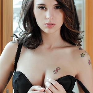 Mckenna Asienbremer Brunette Beauty