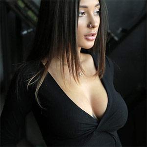 MedinaQ Busty Russian Babe