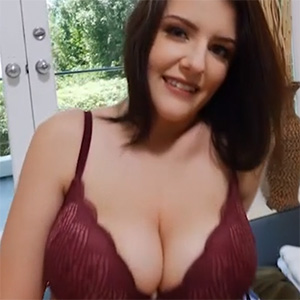 Michelle Sexy and Busty Net Video Girl