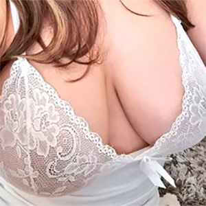 Kinky Monik Busty and Beautiful For You