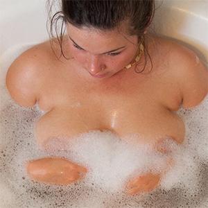 Nikki Yann Soapy Nudes Zishy