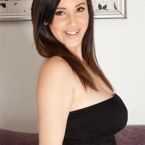Noelle Easton Busty Babe