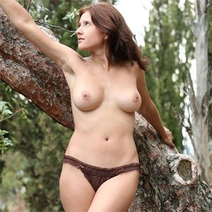 Olja Nature Girl