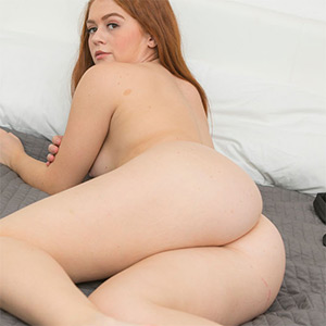 Rachel Hastings Cute Redhead In Bed Cosmid