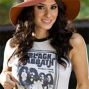 Raquel Robin Sexy Rocker Chick