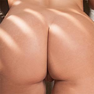 Rebecca Lynn Bubble Butt