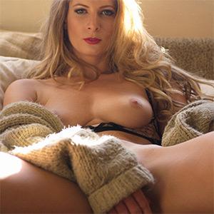 Rebecca Leigh  nackt