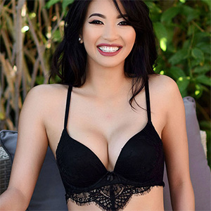 Reina Sexy Black Lingerie